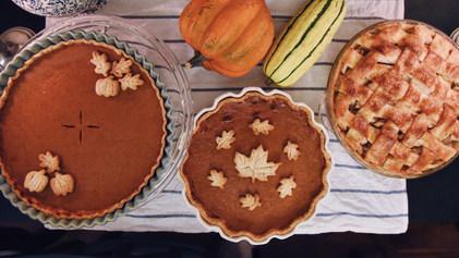 thanksgiving-pies-FW48DZ6_edited.jpg