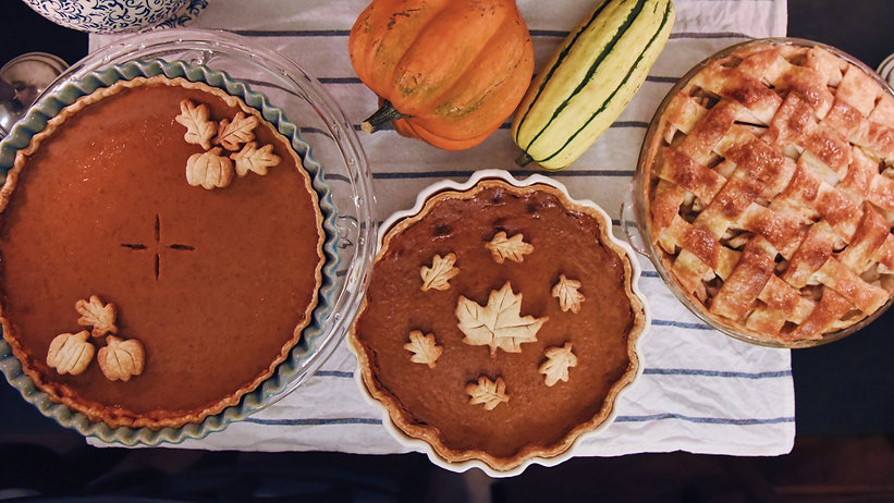 thanksgiving-pies-FW48DZ6_edited.jpg