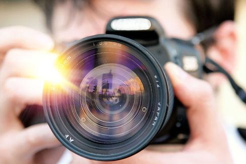 camera-1239384_1920_edited.jpg