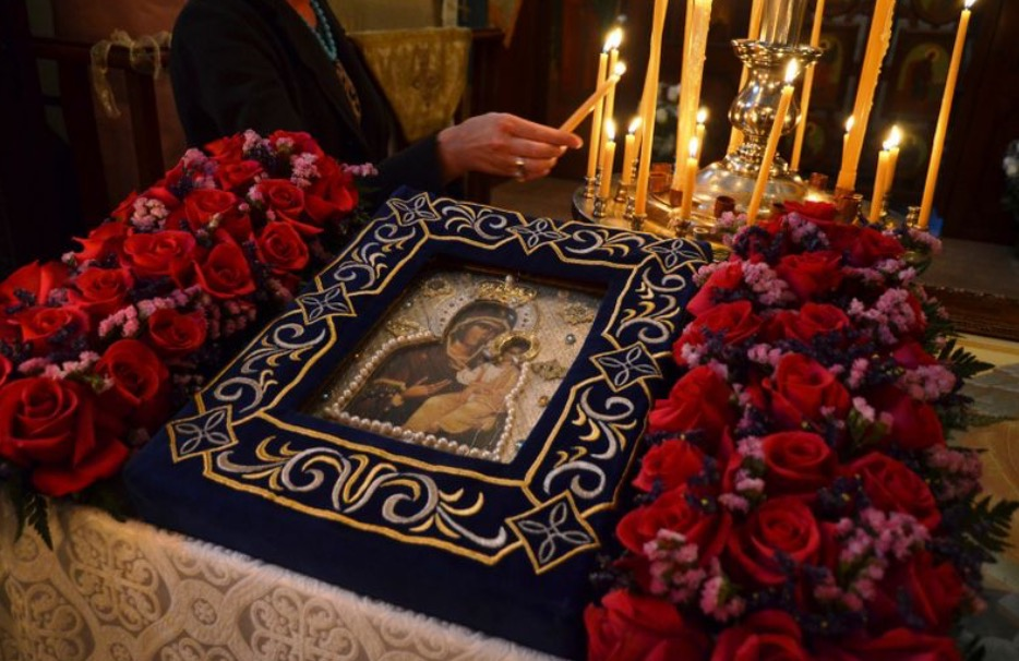 """From thy Holy Icon, O Lady Theotokos..."""