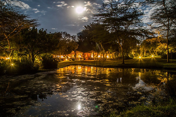 Chui Lodge at full moon