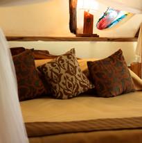 Oloidien Bedroom