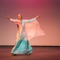Gabrielle Armenier, eurythmy Brigitte Armenier, piano, Florin Parvulescu, violin Cesar Franck Violin Sonata in A Major Lincoln Theater Napa Valley Performing Arts Center Eurythmy Eurythmie Art of Movement stage arts Costumes Veils Silk