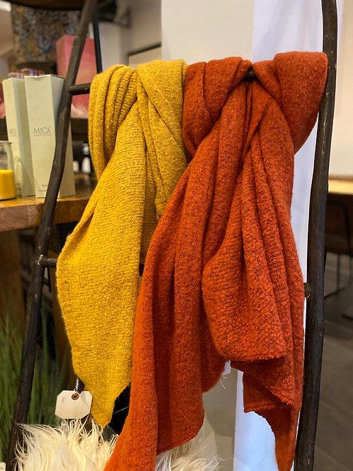 Wollen sjaal okergeel
