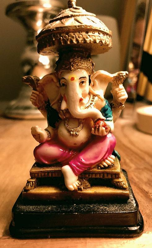 Vighneshvara_Yoga_Ganesha_Statue_edited.jpg