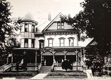 Wilber Mansion Buggy.jpg