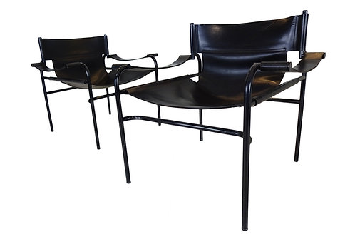 Pair of Walter Antonis 't Spectrum Mid-century black leather lounge chairs