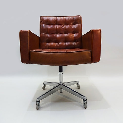 Knoll leather office chair