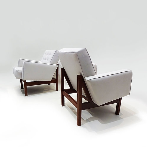Florence Knoll chairs