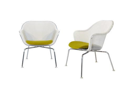 Pair of B&B Italia Iuta side chairs by Antonio Citterio