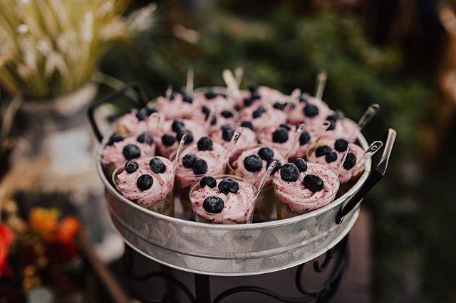 Lovely little Lemon + 4 Berry Creme Cake