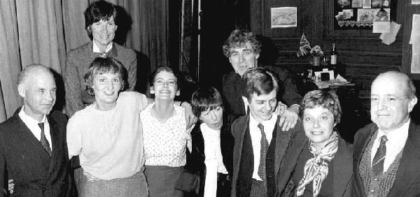 Helene Hanff wth the London cast of 84