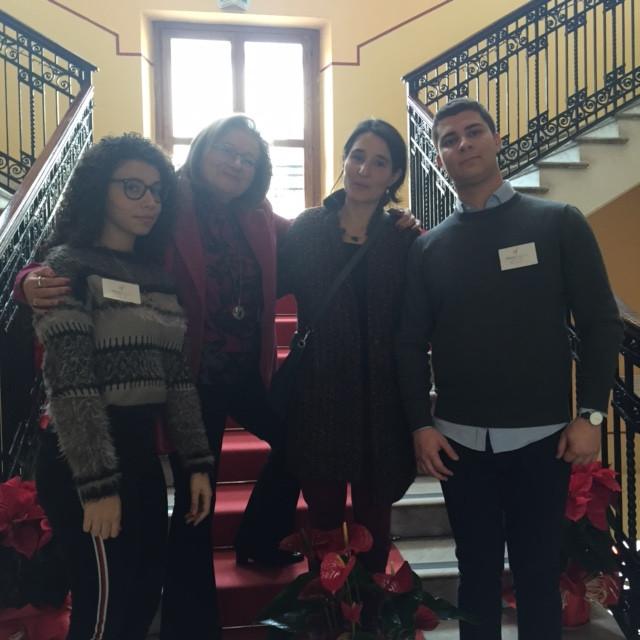 mme Pinto, Mme Germanò, Andrea et Fausto du Comité des jeunes de l'Alliance de RC