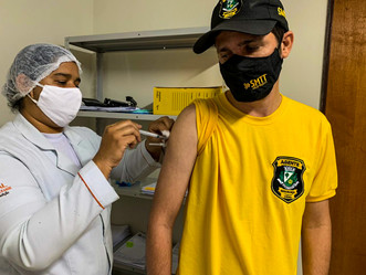 Agentes da SMTT Arapiraca recebem 2ª da vacina contra a Covid-19