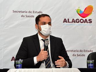 Após chegada das doses, Alagoas inicia vacinação contra a Covid em 24h, afirma secretário