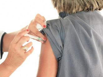 AL garante agulhas e seringas para iniciar vacinação contra a Covid-19, anuncia governador