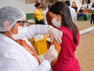 Prefeitura de Palmeira inicia vacinação contra a Covid-19