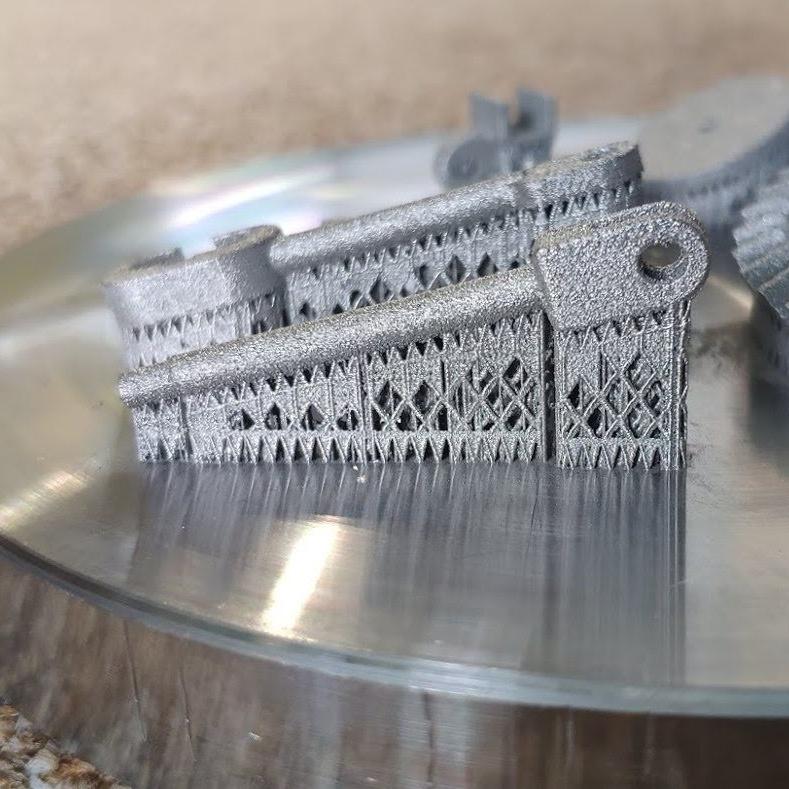 Micro 3D printing in metal