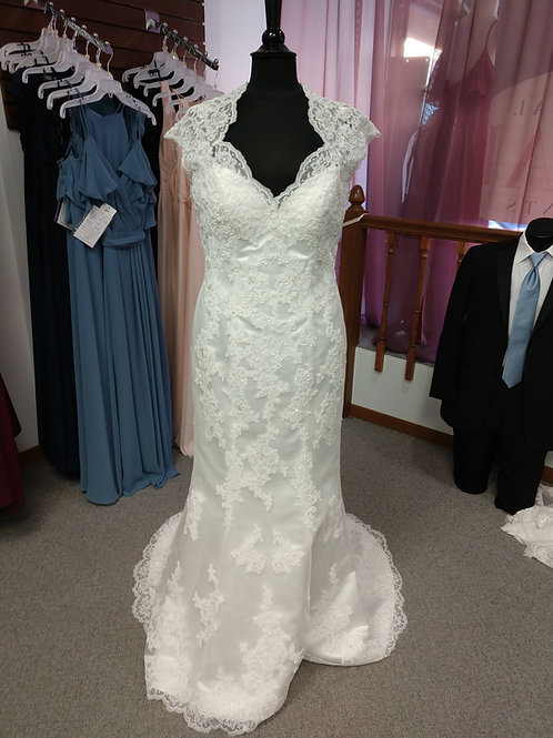 Discontinued Lace Wedding Dress Size 14