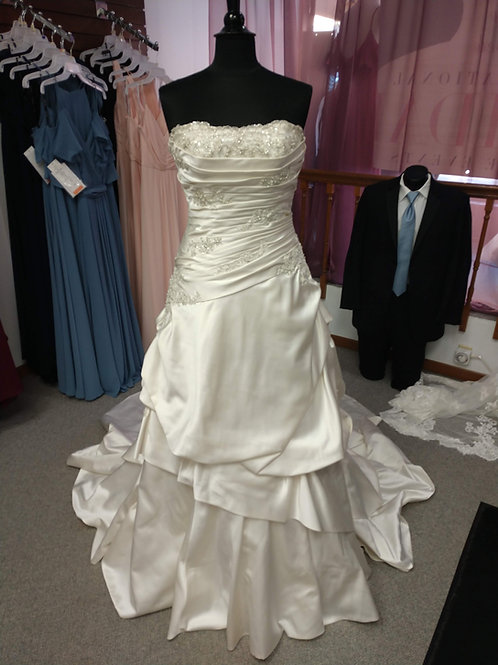 Discontinued Morilee Ruched Wedding Dress Size 10