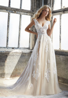 8206-Kennedy Wedding Dress