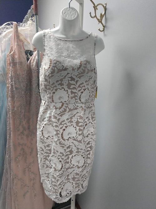 Minuet Short Floral Lace Dress