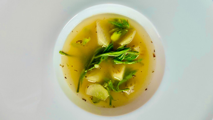 ウドとコシアブラのスープ