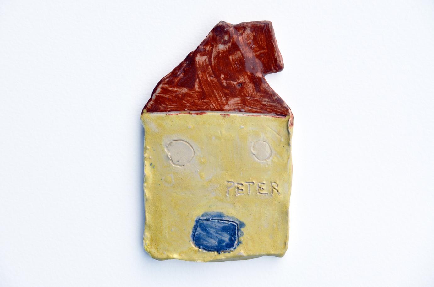 "Peter Blake, ""House"", 2018, ceramic, 15 x 13 x 3,5 cm © Peter Blake, 2018 / Courtesy Pelz Collection, Stuttgart, Germany"