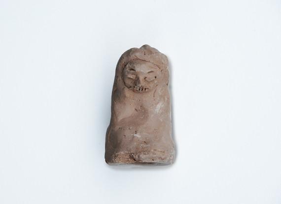 """Gerhard Richter, """"Homo Incurvatus in se Ipsum"""", 2017, clay, 8 x 8 x 5 cm © Gerhard Richter, 2017 / Courtesy Pelz Collection, Stuttgart, Germany"""