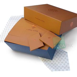 Set Magnus Alfa  papel caja y sobre.jpg