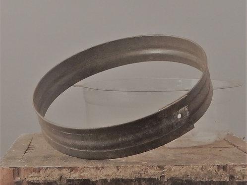 Fixed Globe Wristlet (TIN) medium