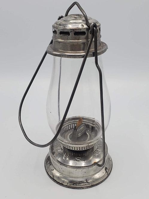 Dietz U.S. Tin hand lamp (1914-18) New old Stock