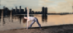 background-yoga-pose-reatreat.png