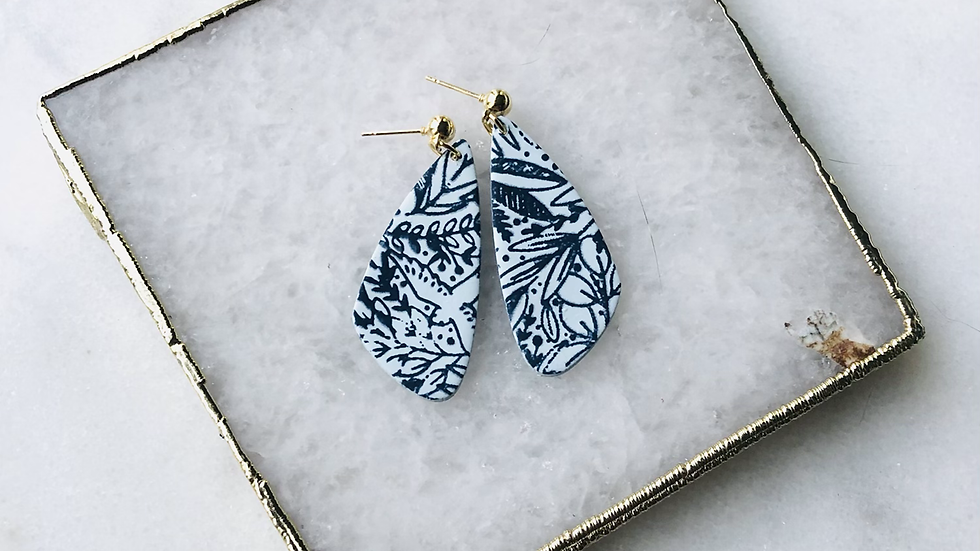 The Nina in Light Blue and Navy Floral