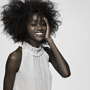 Saiba quais são alguns fatores que causam a queda de cabelo