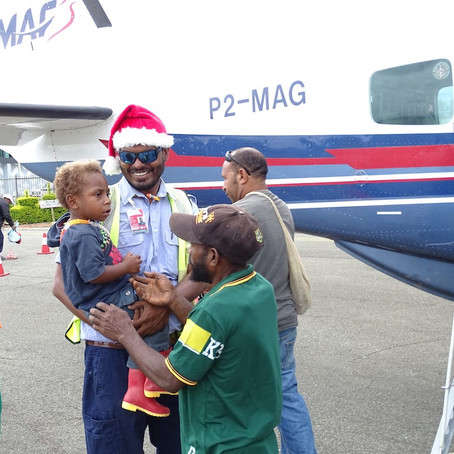 Santa Pilots Bring Christmas Cheer to Remote PNG Communities