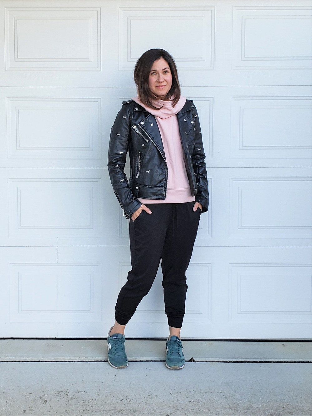 sporty casual mom style moto jacket outfit