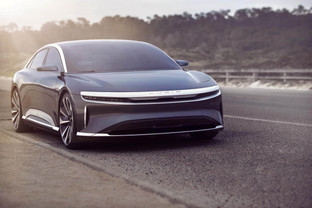The Lucid Air sedan ready to compete with the EV heavy-weights