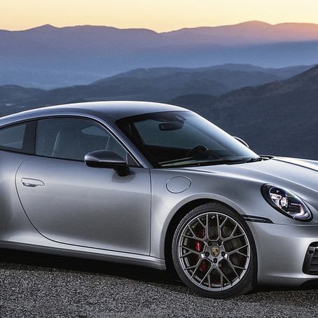 2020 Porsche 911 Carrera 4S: technical specs and price comparison