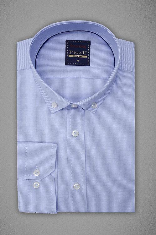 Нежно голубая рубашка в полоску