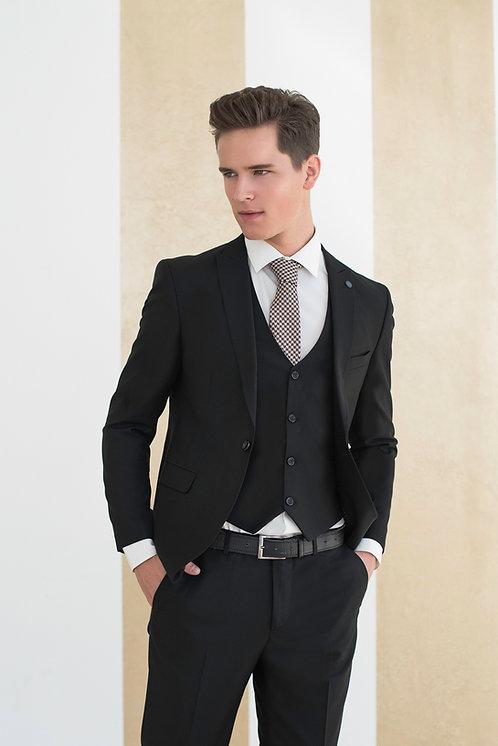 Мужской костюм тройка аренда прокат москва яркий приталенный на свадьбу черный