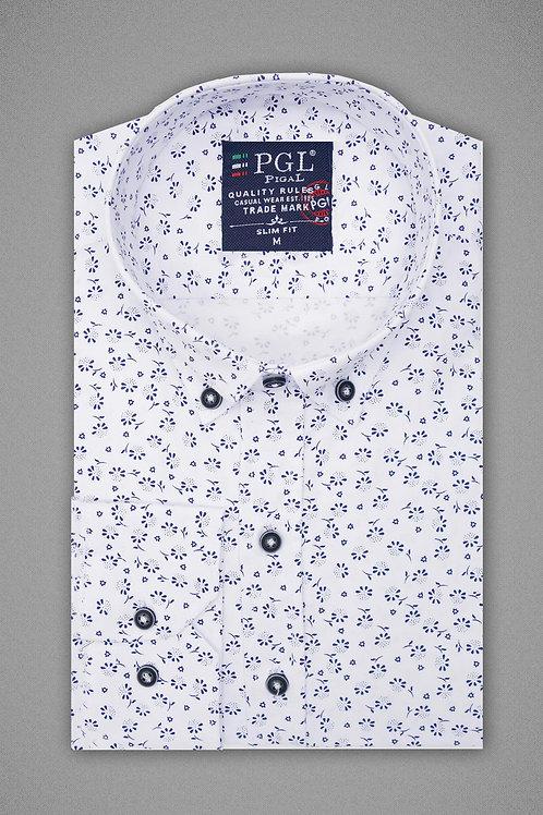 Белая рубашка с растительным узором