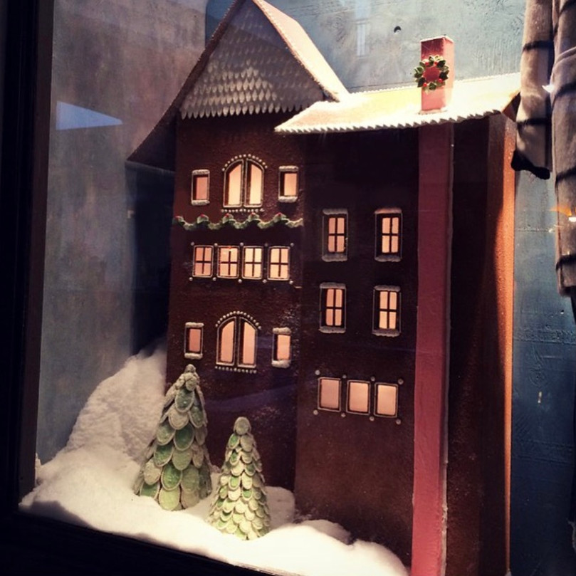 Holiday gingerbread window, Anthropologie