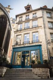 Maison de Paris-min.jpg