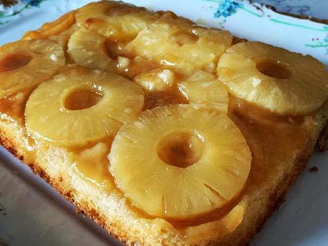 Gâteau décadent renversé aux ananas