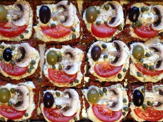 the FFF - favorite family food (superhealthy sweet potatoe pizza)