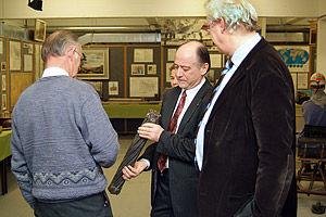 Rotary Houthalen-Midden Limburg op bezoek bij de Heemkundige Kring in het oude mijngebouw