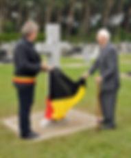 Oorlogskruis na restauratie plechtig ingehuldigd op het kerkhof van Houthalen-Helchteren