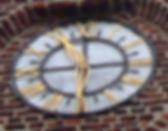 Het uurwerk van het oude kerkje van Laak
