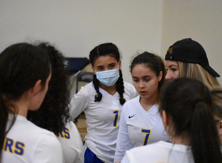 Varsity Volleyball, 7-4 (3-1) Clinch 2nd Place in District; Will Host State Playoff Game